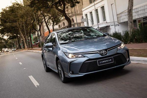 Toyota oferece Yaris, Corolla (sedã e Cross), Hilux e RAV4 por assinatura - preços